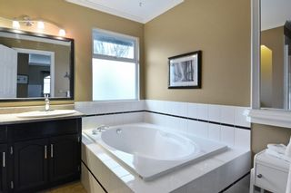 """Photo 11: 8407 215 Street in Langley: Walnut Grove House for sale in """"Forest Hills"""" : MLS®# R2159381"""