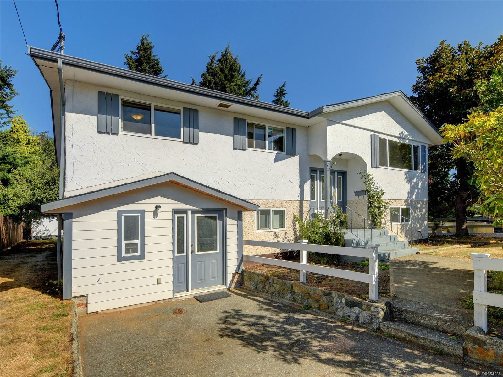 Main Photo: 2794 Ronald Rd in : La Glen Lake House for sale (Langford)  : MLS®# 854265