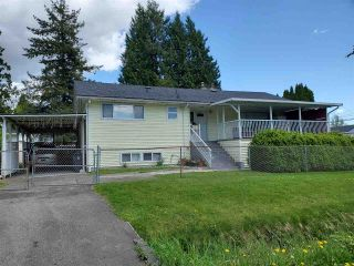 Photo 1: 13763 92 Avenue in Surrey: Bear Creek Green Timbers House for sale : MLS®# R2579129