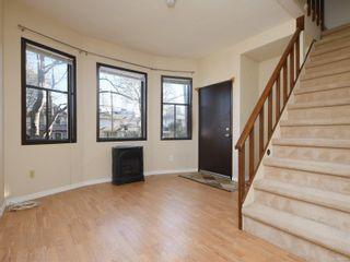 Photo 2: 422 Powell St in : Vi James Bay Full Duplex for sale (Victoria)  : MLS®# 863106