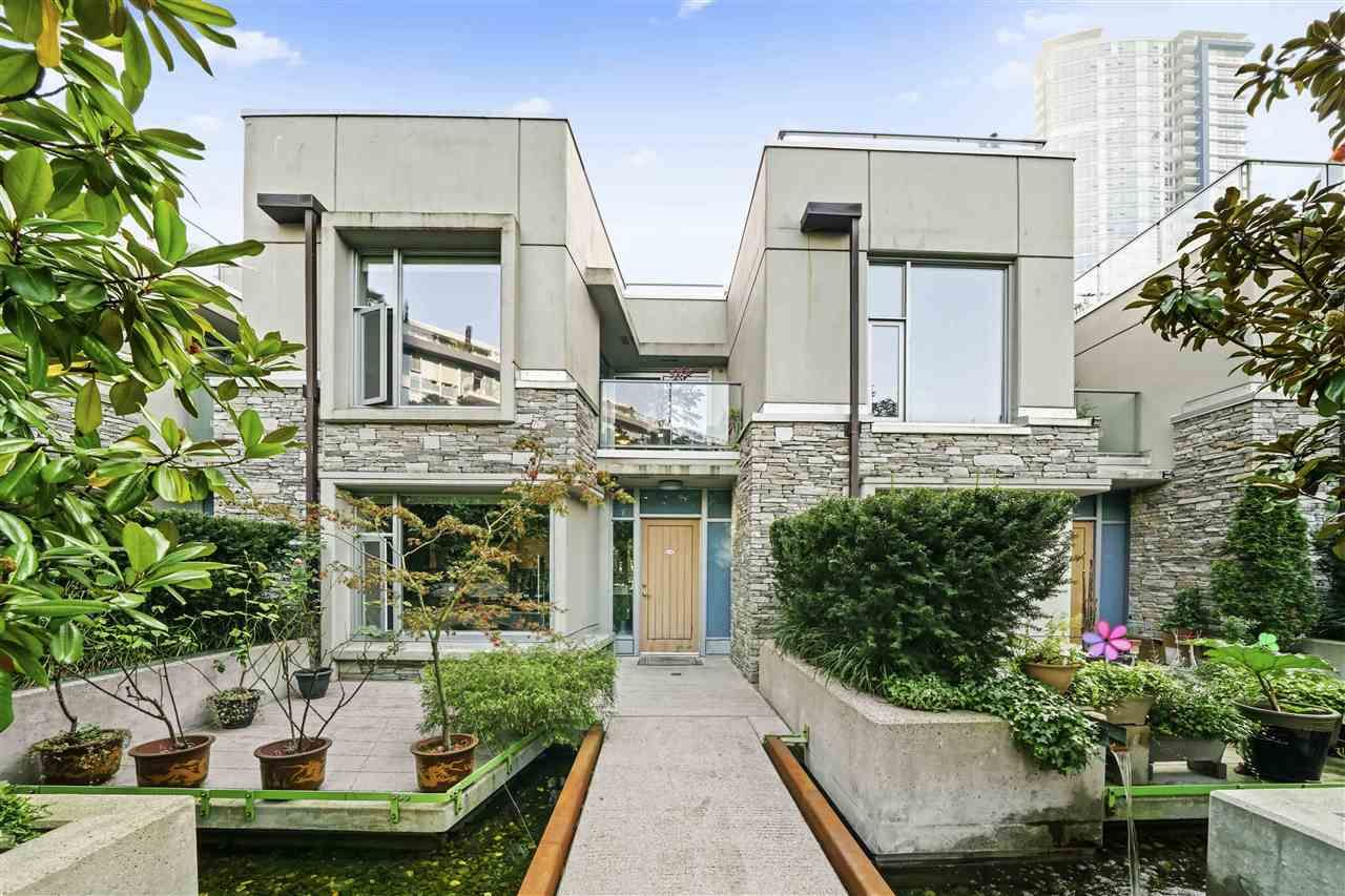 Main Photo: 238 188 KEEFER PLACE in Vancouver: Downtown VW Townhouse  (Vancouver West)  : MLS®# R2497789