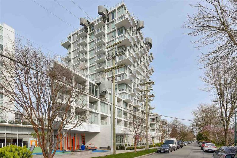 FEATURED LISTING: PH-8 - 2221 30 Avenue East Vancouver