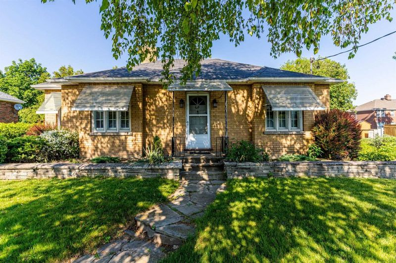 FEATURED LISTING: 45 Central Park Boulevard Oshawa