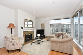 """Photo 3: 311 1990 E KENT AVENUE SOUTH in Vancouver: Fraserview VE Condo for sale in """"Harbour House"""" (Vancouver East)  : MLS®# R2145816"""