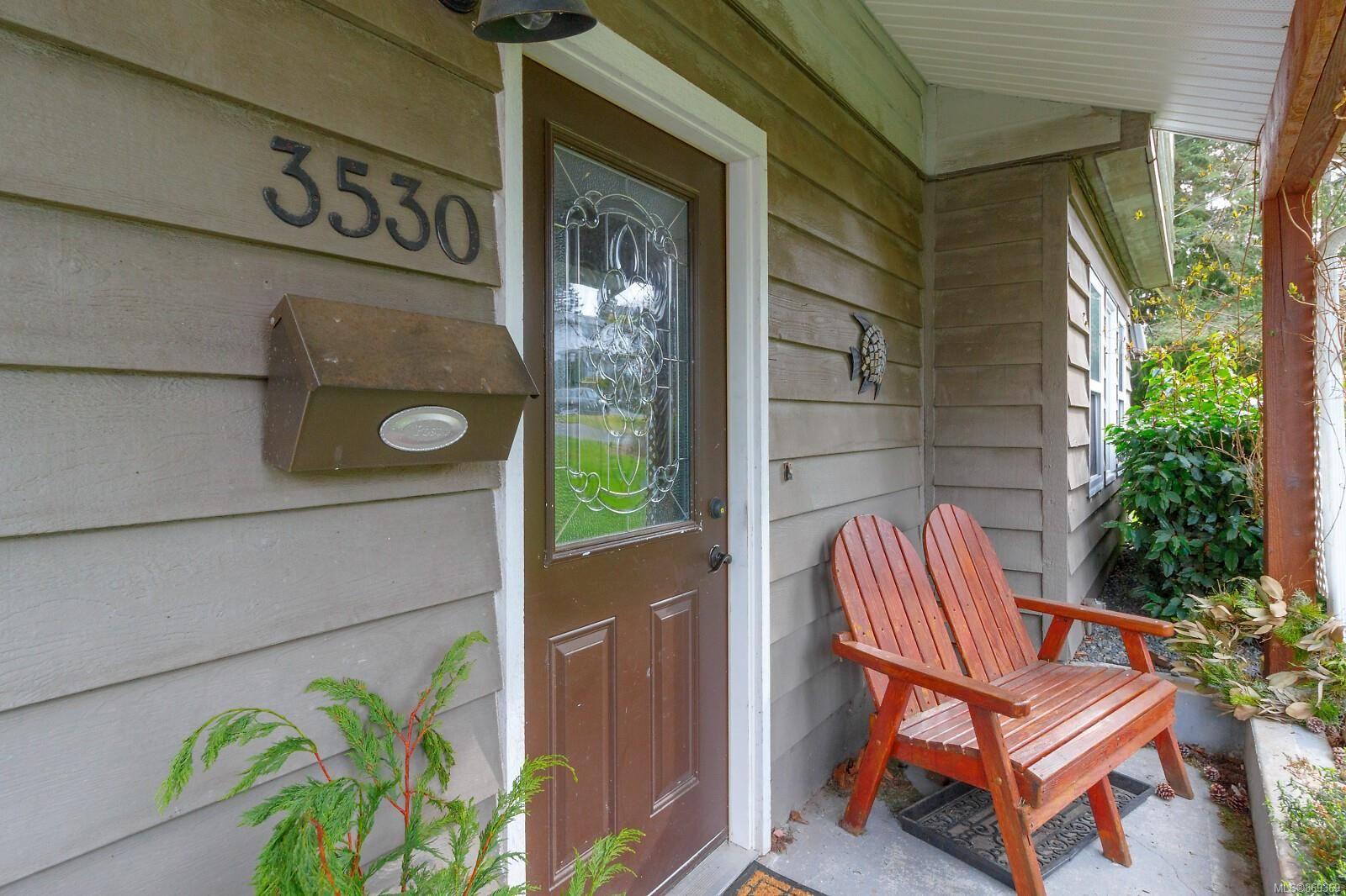Main Photo: 3530 Falcon Dr in : Na Hammond Bay House for sale (Nanaimo)  : MLS®# 869369