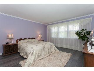"Photo 12: 73 5811 122 Street in Surrey: Panorama Ridge Townhouse for sale in ""Lakebridge"" : MLS®# R2045411"