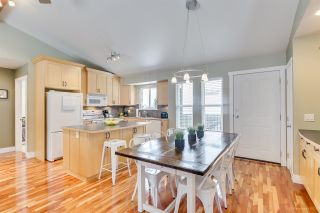 "Photo 10: 1032 GLENAYRE Drive in Port Moody: College Park PM House for sale in ""Glenayre/College Park"" : MLS®# R2342987"