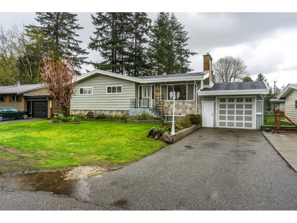 Main Photo: 2912 VICTORIA Street in Abbotsford: Abbotsford West House for sale : MLS®# R2154611