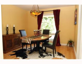 """Photo 3: 4785 WESLEY Drive in Tsawwassen: English Bluff House for sale in """"THE VILLAGE"""" : MLS®# V777978"""