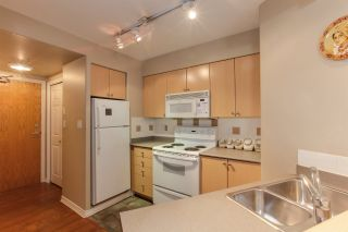 Photo 4: 405 680 CLARKSON STREET in New Westminster: Downtown NW Condo for sale : MLS®# R2322081