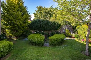 Photo 3: 1214 Hampshire Rd in : OB South Oak Bay House for sale (Oak Bay)  : MLS®# 879003