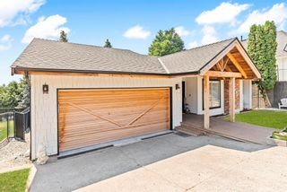 """Photo 2: 35784 SUNRIDGE Place in Abbotsford: Abbotsford East House for sale in """"MOUNTAIN VILLAGE"""" : MLS®# R2614606"""