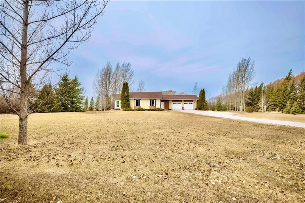 Main Photo: 56146 MEADOWVALE Road in Springfield Rm: RM of Springfield Residential for sale (R04)  : MLS®# 202107608