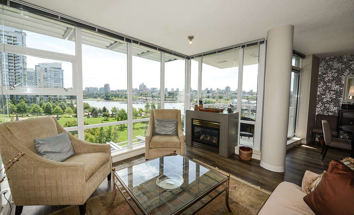"""Main Photo: 807 633 KINGHORNE Mews in Vancouver: Yaletown Condo for sale in """"Icon II"""" (Vancouver West)  : MLS®# R2083458"""