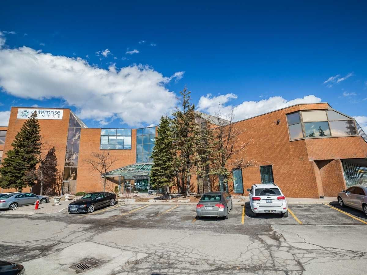 Main Photo: 1550 Enterprise Road in Mississauga: Northeast Property for sale : MLS®# W5161295