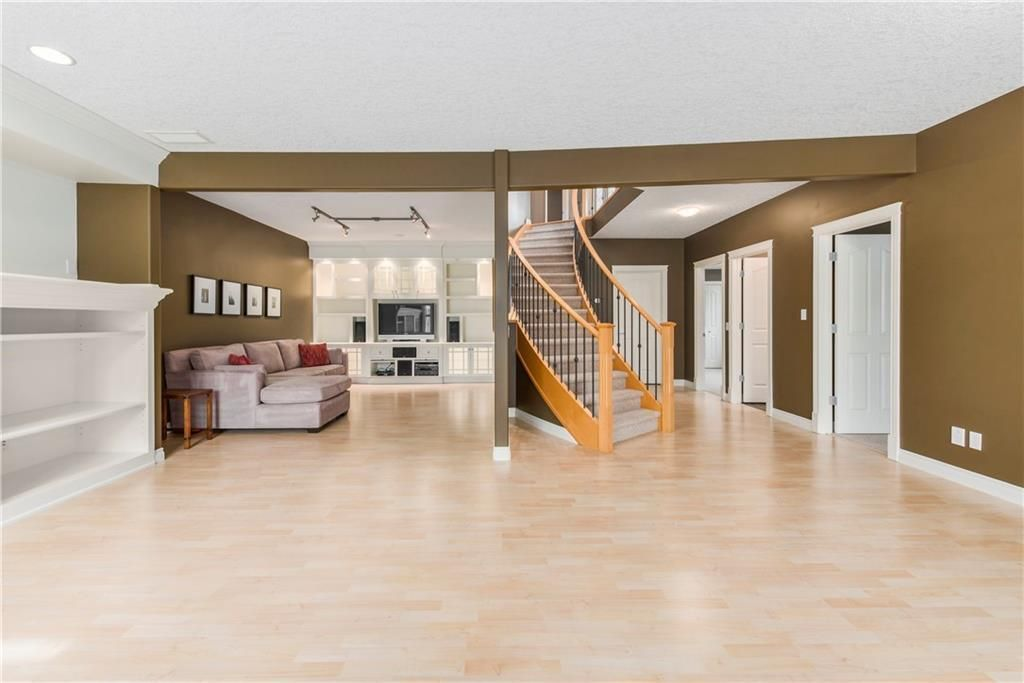 Photo 31: Photos: 73 DISCOVERY WOODS Villa SW in Calgary: Discovery Ridge Semi Detached for sale : MLS®# C4218779