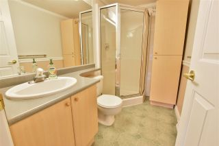 """Photo 12: 402 15150 29A Avenue in Surrey: King George Corridor Condo for sale in """"The Sands II"""" (South Surrey White Rock)  : MLS®# R2523039"""