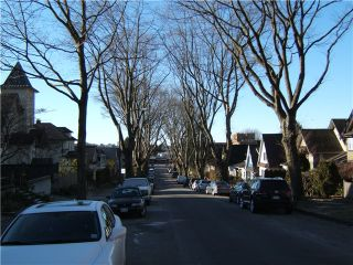"""Photo 2: 1865 E 7TH Avenue in Vancouver: Grandview VE 1/2 Duplex for sale in """"""""THE DRIVE"""""""" (Vancouver East)  : MLS®# V863836"""