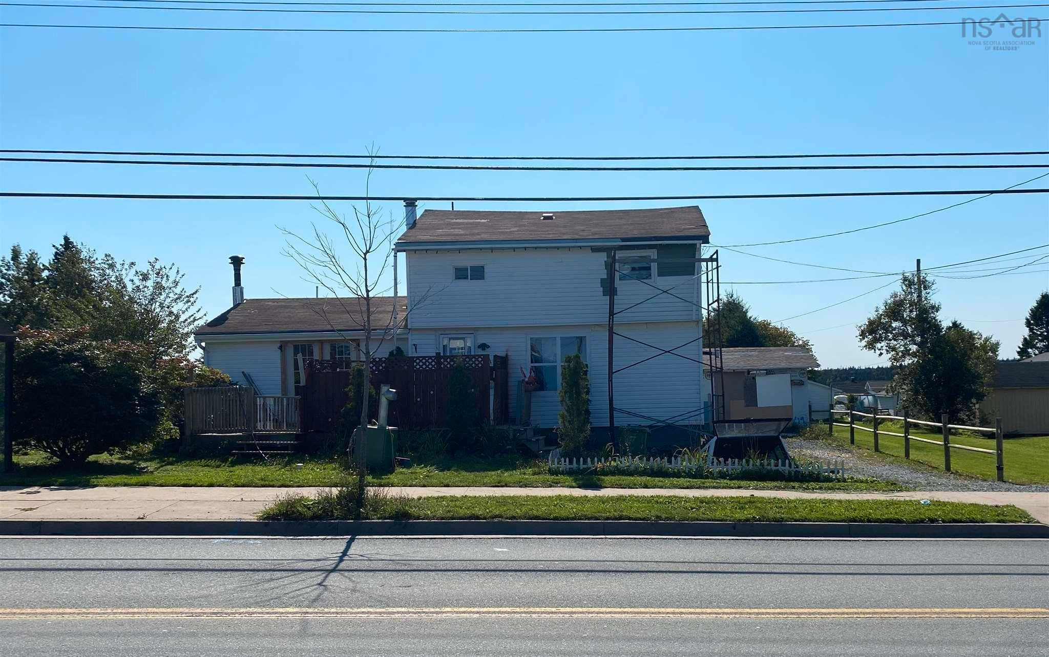 Main Photo: 115 Cow Bay Road in Eastern Passage: 11-Dartmouth Woodside, Eastern Passage, Cow Bay Residential for sale (Halifax-Dartmouth)  : MLS®# 202124315