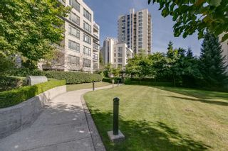 "Photo 17: 208 3520 CROWLEY Drive in Vancouver: Collingwood VE Condo for sale in ""MILLENIO"" (Vancouver East)  : MLS®# R2207254"