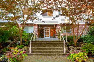 """Photo 2: 203 1696 W 10TH Avenue in Vancouver: Fairview VW Condo for sale in """"Landmark Plaza"""" (Vancouver West)  : MLS®# R2512811"""