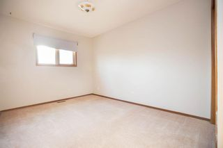 Photo 21: 135 Mayfield Crescent in Winnipeg: Charleswood Residential for sale (1G)  : MLS®# 202011350