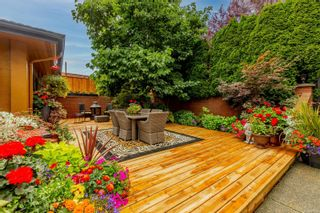Photo 4: 392 Crystalview Terr in : La Mill Hill House for sale (Langford)  : MLS®# 885364