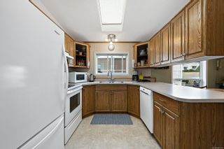 Photo 7: 12 4714 Muir Rd in : CV Courtenay City Manufactured Home for sale (Comox Valley)  : MLS®# 885119