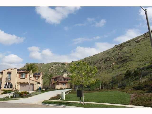 Photo 5: Photos: EAST ESCONDIDO House for sale : 5 bedrooms : 2797 Vistamonte in Escondido