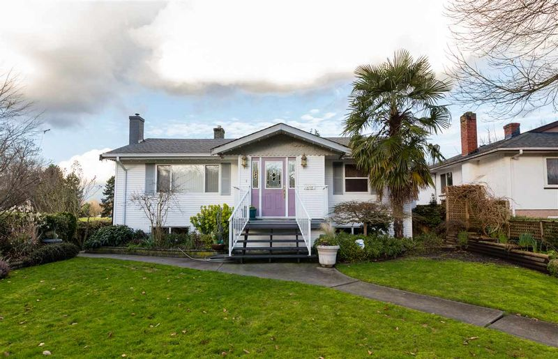 FEATURED LISTING: 2249 19TH Avenue East Vancouver
