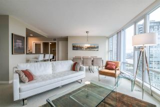 """Photo 6: 2103 583 BEACH Crescent in Vancouver: Yaletown Condo for sale in """"PARK WEST TWO"""" (Vancouver West)  : MLS®# R2361220"""
