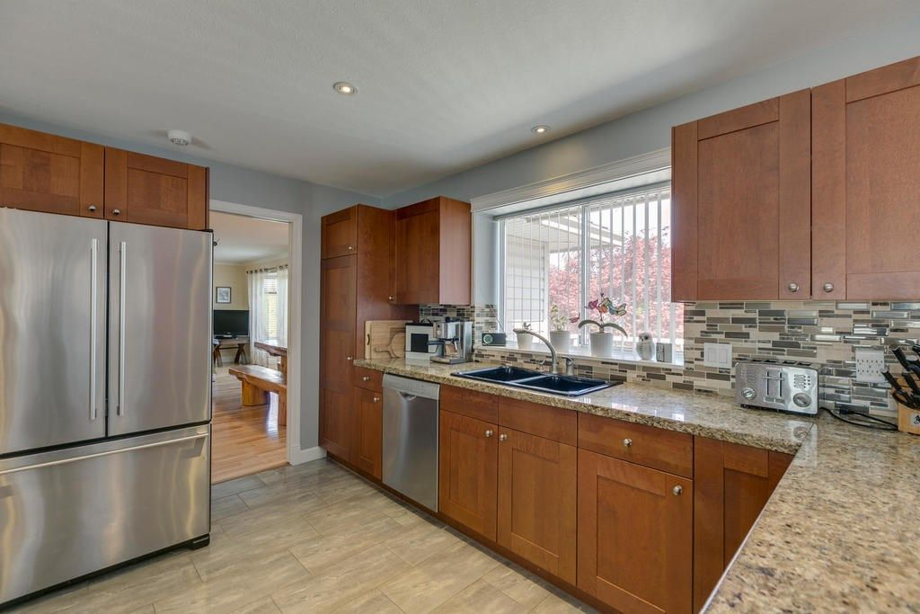 """Photo 11: Photos: 12403 188 Street in Pitt Meadows: West Meadows House for sale in """"HIGHLAND PARK AREA"""" : MLS®# R2261078"""
