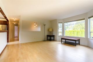Photo 3: 14320 NORTH BLUFF Road: White Rock House for sale (South Surrey White Rock)  : MLS®# R2440472