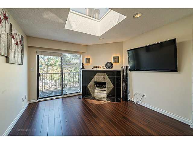 Main Photo: 304 5155 IMPERIAL STREET in : Metrotown Condo for sale : MLS®# V1127631