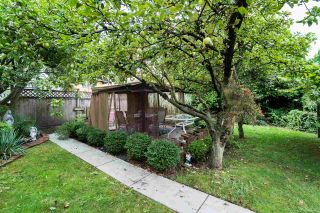 """Photo 15: 2366 GRANT Street in Vancouver: Grandview VE House for sale in """"GRANDVIEW/COMMERCIAL DRIVE"""" (Vancouver East)  : MLS®# R2089719"""
