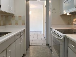 """Photo 13: 905 615 BELMONT Street in New Westminster: Uptown NW Condo for sale in """"BELMONT TOWERS"""" : MLS®# R2200623"""