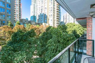 """Photo 12: 307 988 RICHARDS Street in Vancouver: Yaletown Condo for sale in """"TRIBECA"""" (Vancouver West)  : MLS®# R2202048"""