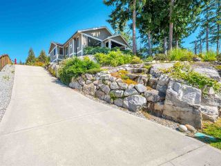 """Photo 6: 5557 PEREGRINE Crescent in Sechelt: Sechelt District House for sale in """"SilverStone Heights"""" (Sunshine Coast)  : MLS®# R2492023"""