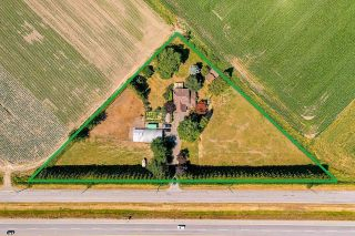 Photo 4: 39039 NORTH PARALLEL Road in Abbotsford: Sumas Prairie House for sale : MLS®# R2602841
