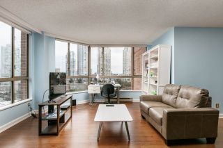 """Photo 9: 1005 4350 BERESFORD Street in Burnaby: Metrotown Condo for sale in """"Carlton on the Park"""" (Burnaby South)  : MLS®# R2226069"""