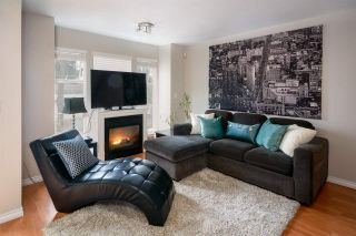 """Photo 2: 7 12188 HARRIS Road in Pitt Meadows: Central Meadows Townhouse for sale in """"Waterford Place"""" : MLS®# R2121855"""