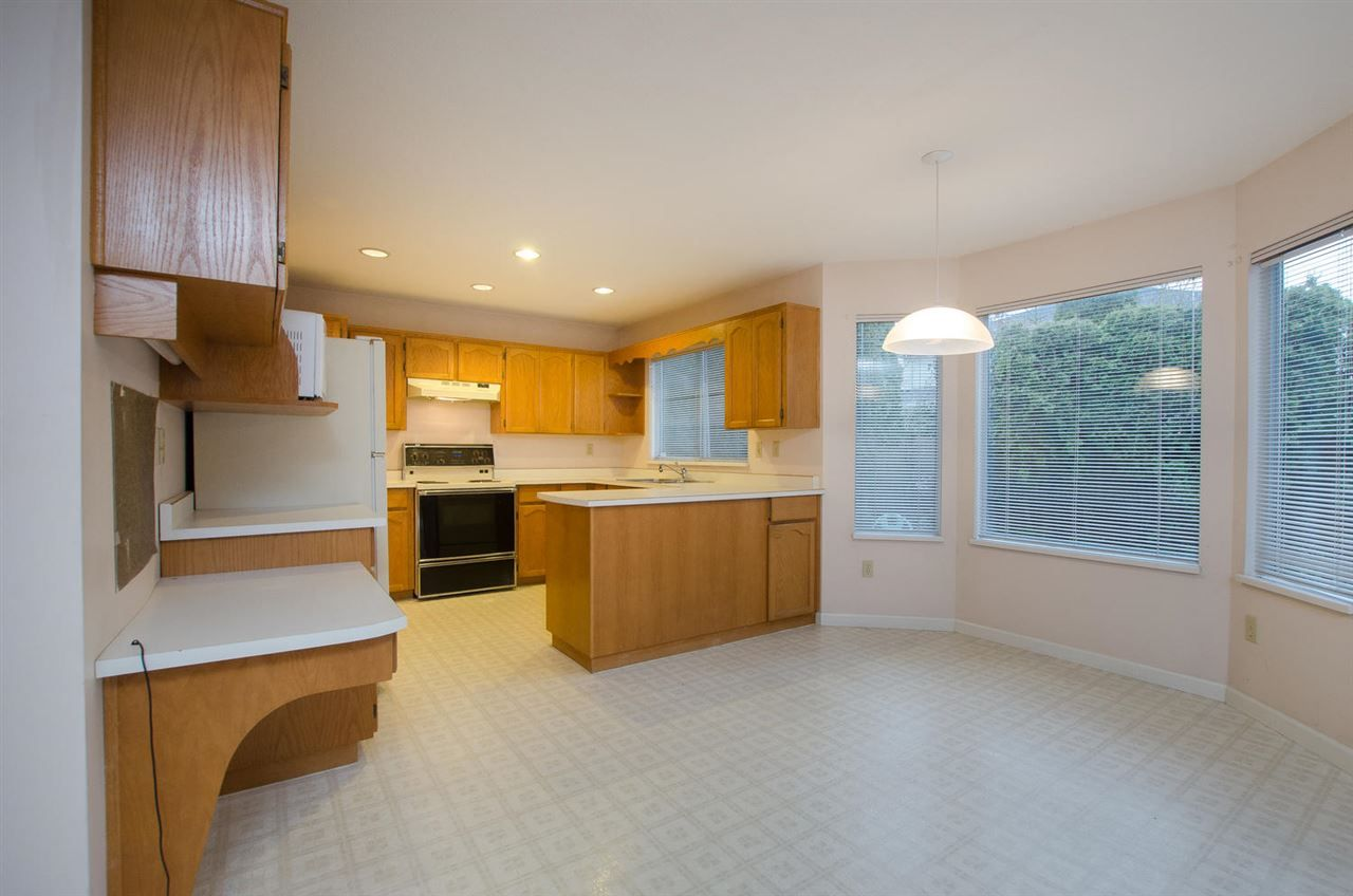 """Photo 5: Photos: 6378 45B Avenue in Delta: Holly House for sale in """"HOLLY"""" (Ladner)  : MLS®# R2338172"""