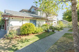 """Photo 2: 37 11502 BURNETT Street in Maple Ridge: East Central Townhouse for sale in """"TELOSKY VILLAGE"""" : MLS®# R2201064"""