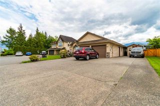 Photo 3: 46368 RANCHERO Drive in Chilliwack: Sardis East Vedder Rd House for sale (Sardis)  : MLS®# R2578548