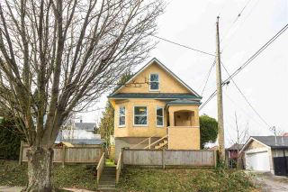 """Photo 12: 297 E 17TH Avenue in Vancouver: Main House for sale in """"MAIN STREET"""" (Vancouver East)  : MLS®# R2554778"""
