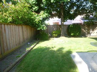 """Photo 13: 16 8631 NO 3 RD Road in Richmond: Broadmoor Townhouse for sale in """"EMPRESS COURT"""" : MLS®# V1079274"""