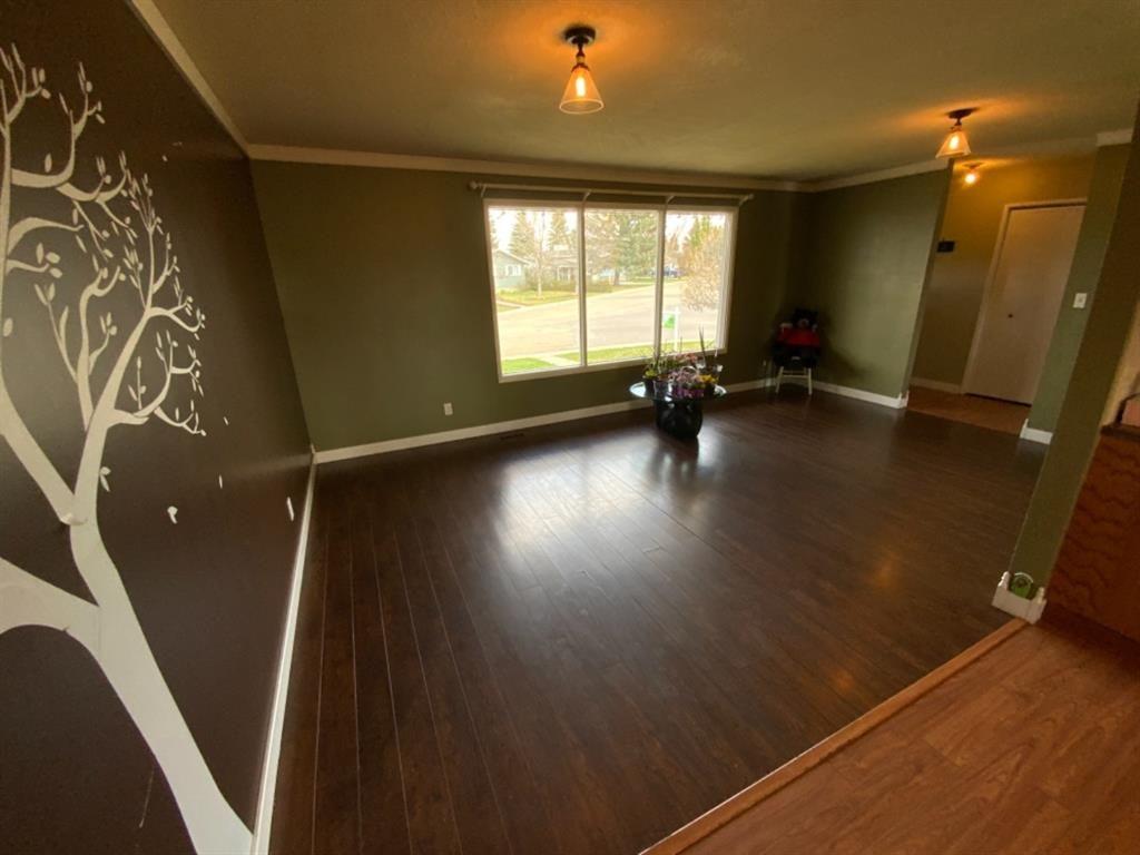 Photo 6: Photos: 571 3 Avenue SE: Three Hills Detached for sale : MLS®# A1105212