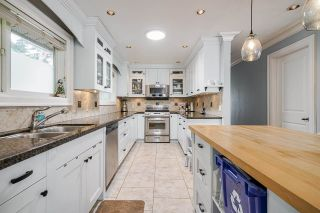 """Photo 10: 850 PARKER Street: White Rock House for sale in """"EAST BEACH"""" (South Surrey White Rock)  : MLS®# R2587340"""