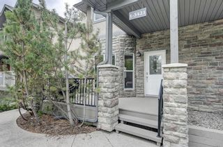 Photo 2: 1, 3421 5 Avenue NW in Calgary: Parkdale Row/Townhouse for sale : MLS®# A1057413