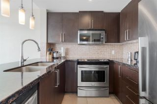 Photo 7: 3002 888 CARNARVON Street in New Westminster: Downtown NW Condo for sale : MLS®# R2551239